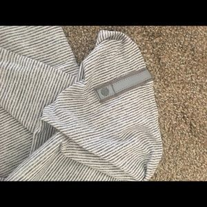 Lululemon Grey & White stripe vinyasa scarf